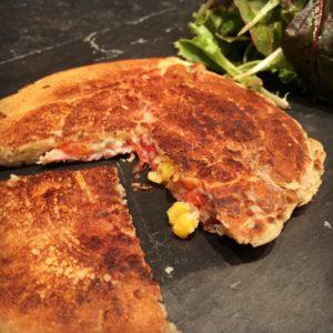 Pancakes salés à la feta et au bacon