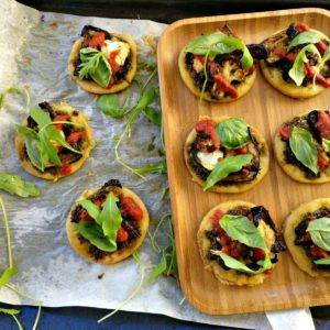 Green pizza au pesto et légumes roties