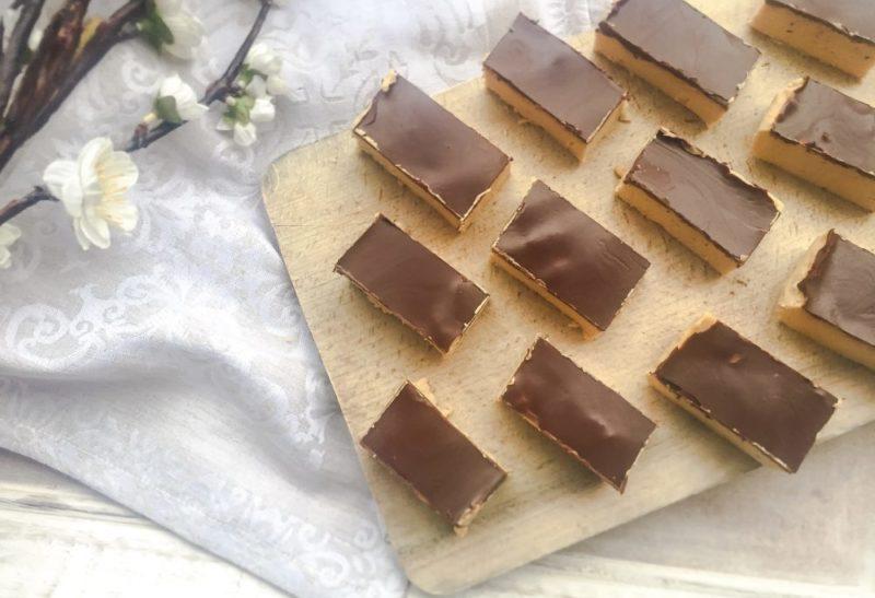 Barres crues à la pâte de pois chiche et chocolat