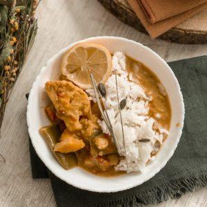 Curry de légumes et pois chiches au lait de coco